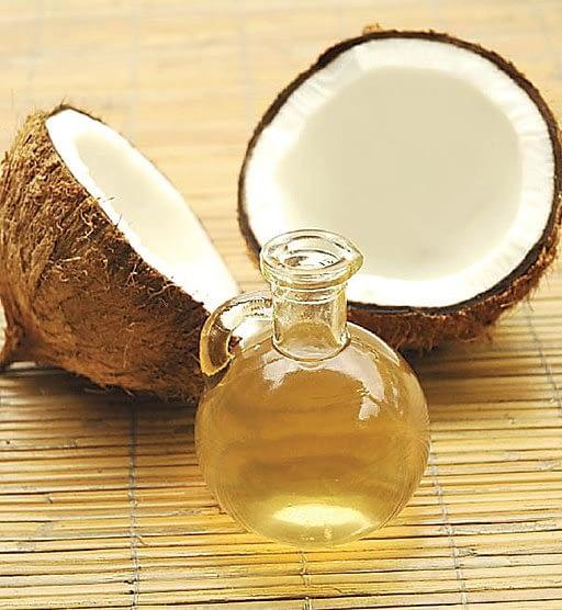 coconut oil as organic lip moisturizer